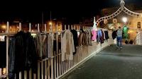 Ιρλανδία: Κρεμάνε τα μπουφάν που δεν θέλουν για να τα παίρνουν οι άστεγοι
