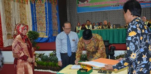 Pemko Padang Jalin MOU dengan Poltekkes Kemenkes Padang