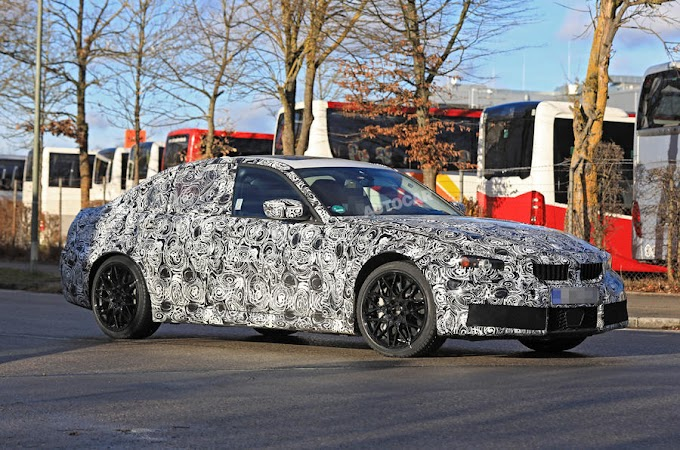 2020 BMW M3: rear end design seen undisguised