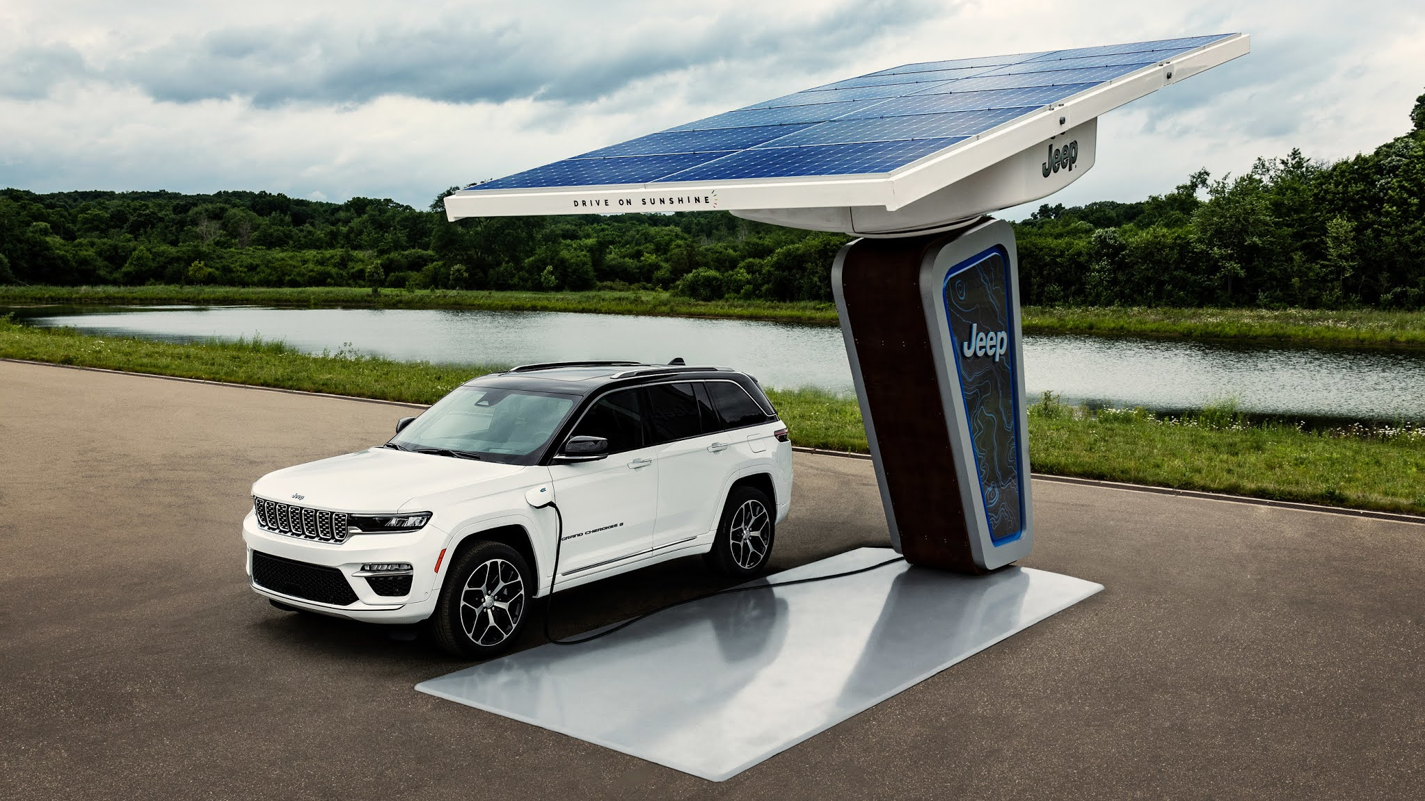 Jeep Brand Reveals First Images of All-new Electrified 2022 Jeep Grand Cherokee 4xe