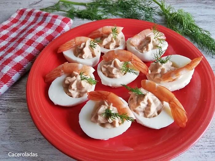 Receta de huevos rellenos con langostinos - Solo 3 ingredientes