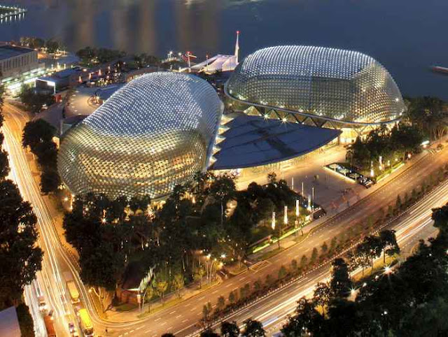 Esplanade - Theaters on the Bay Singapore