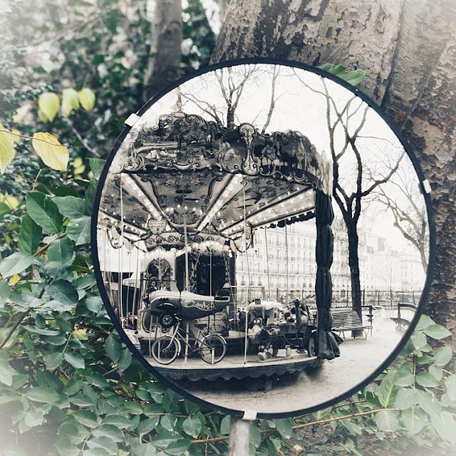 Paris manège miroir reflet