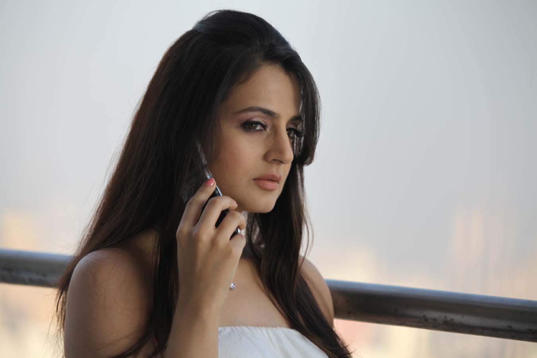 Amisha Patel Sexy Pics