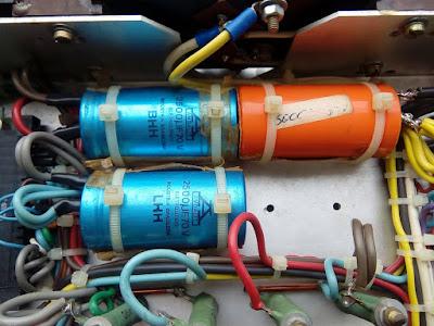 Capacitores eletrolíticos da fonte