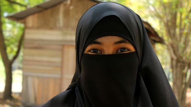 Puisi Tandingan dari Mahasiswi Bercadar di Aceh untuk Sukmawati