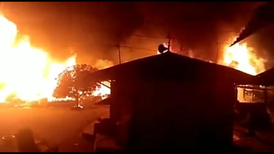Kebakaran yang terjadi di Jalan Mangga Siantar.