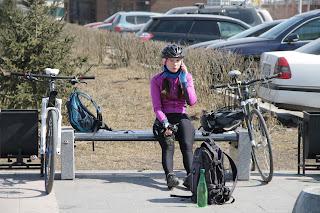 Велосипедистка в Иркутске