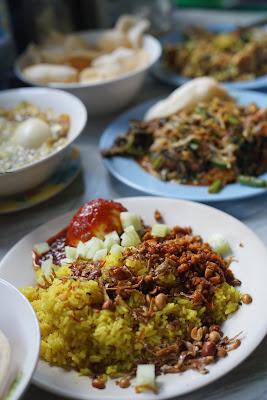 Menu di Warung makan Neti