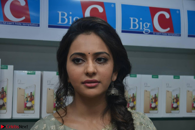 Rakul Preet Singh in a Designer saree at Launch of BIG C Show room at  Kurnool ~ Celebrities Galleries 004.jpg