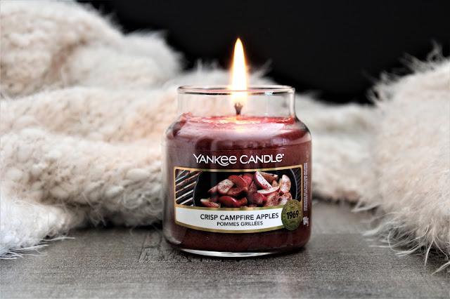 yankee candle crisp campfire apples avis, crisp campfire apples, yankee candle crisp campfire apples review, yankee candle pommes grillées avis, bougie parfumée yankee candle crisp campfire apples, bougie parfumée, bougie yankee, yankee candles, candle review, scented candle, avis yankee candle