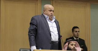 """بالفيديو:نائب أردني لـ""""ترامب"""" اقلع اقلع أنت وصفقتك"""