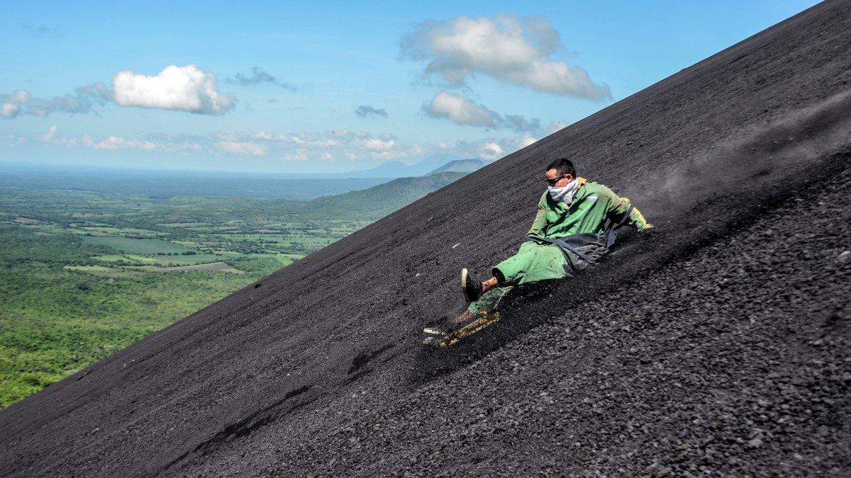 volcano boarding nicaragua