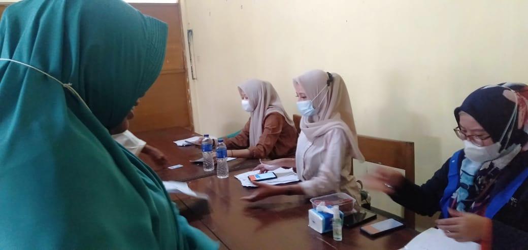 Pantau  Peyaluran Bantuan Sosial Tunai (  BST) Kecamatan  Pamarayan