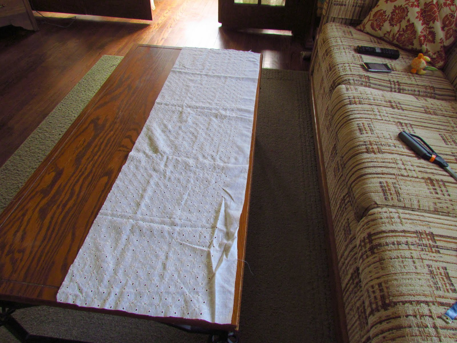 Tangible Artiste Weekend Warriors Valance Curtain Tutorial