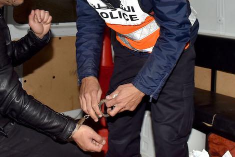 agadirpress   مروج للمخدرات يسقط في قبضة الشرطة بمراكش جريدة أكادير بريس