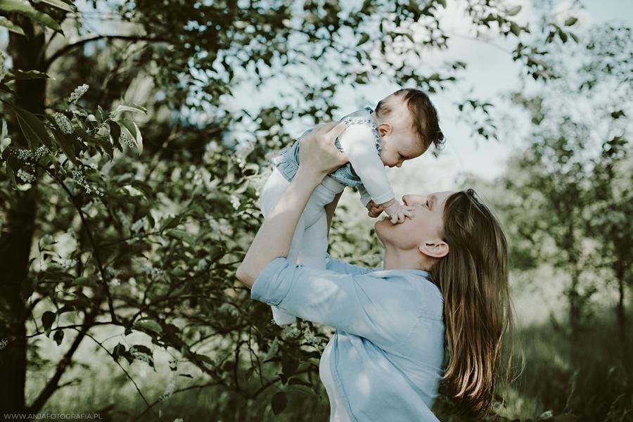 sesja fotograficzna na dzień matki w łomiankach