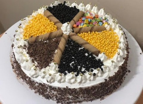 BİM Hazır Kek ile Muhteşem Yaş Pasta Tarifi