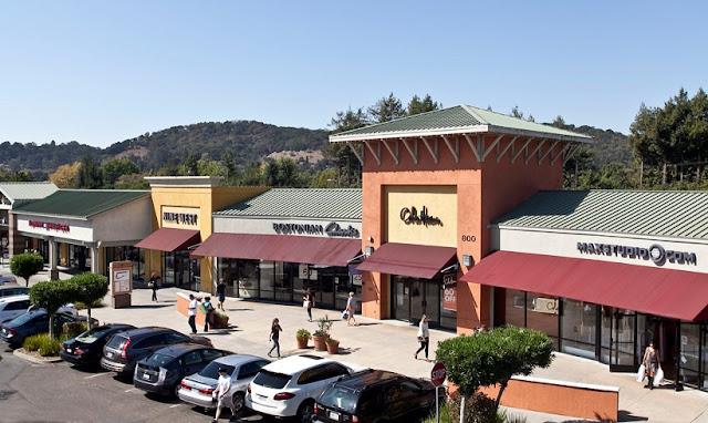 Compras no Napa Premium Outlet em Napa Valley