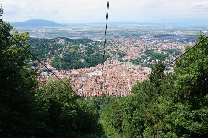 Lasten kanssa Brasovissa, Romania / kaapelihissi vuorelle