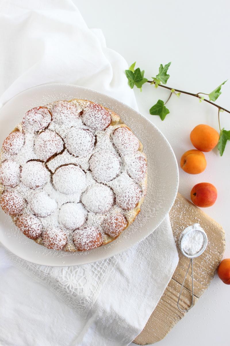 Grießlkuchen mit Aprikosen zum Sonntagskaffee, Sonntagssüß, Sommerkuchen, Obstkuchen, Marillenkuchen, Foodblogger, Rezept auf dem Südtiroler Food- und Lifestyleblog kebo homing