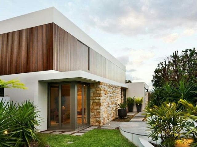 Minimalist 2-storey house with a line pattern