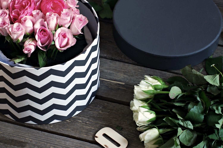 Jak ułożyć oryginalny bukiet na rocznicę ślubu, DIY, jak zrobić flowerbox samemu - instrukcja wykonania na www.any-blog.pl