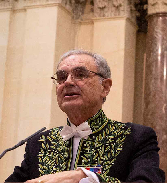 François d'Orcival na presidência da Academia Francesa de Ciências Morais e Políticas