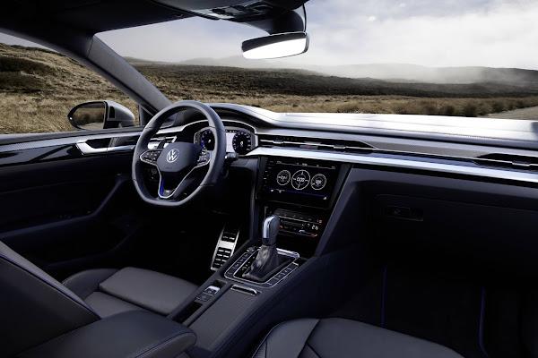 Volkwagen Arteon R chega à Europa com preços € 63.095