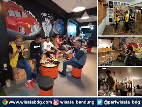 Twin Cafe Jln Kembar 1 Bandung
