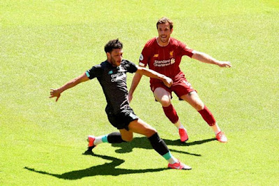 Liverpool đá trận đầu tiên hậu Covid-19: Mane lập công, hạ gục Salah 3