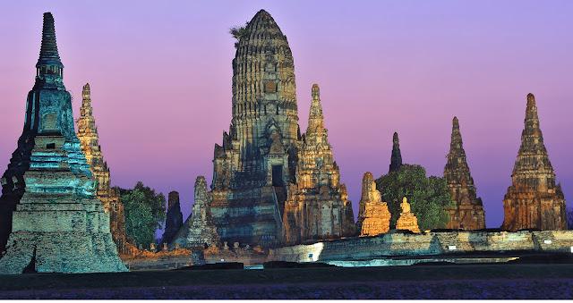 Ayutthaya Island: take a boat ride