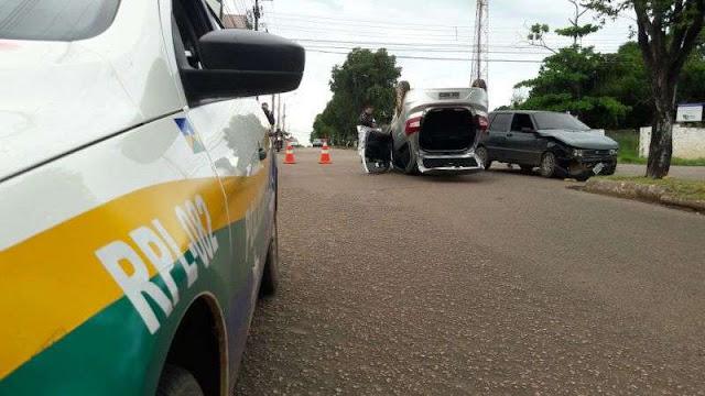 Acidente grave com capotamento é registrado na zona leste da capital