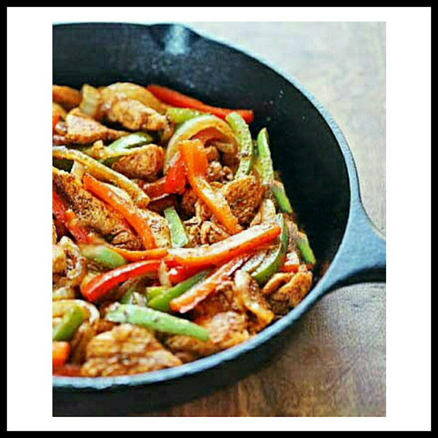 easy-one-pan-chicken-fajitas-recipe
