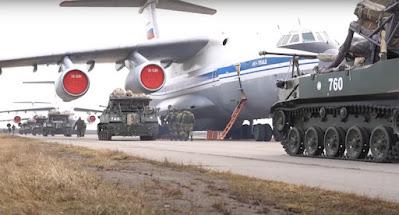 Россия объявила об отводе войск от украинской границы