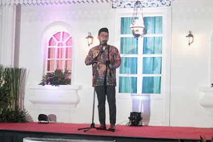 Ustadz Adi Hidayat Beri Hadiah Umroh Untuk Peserta Nikah Massal