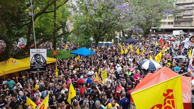 Porto Alegre na Greve geral de 28 de Abril de 2017 uma greve grandiosa.