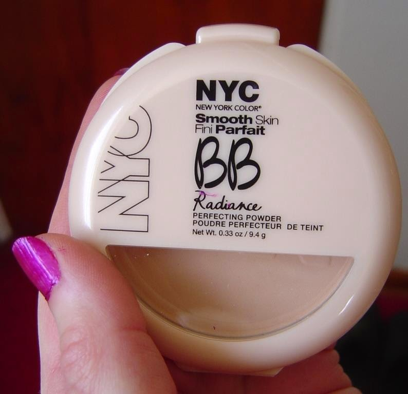 NYC New York ColorSmooth Skin BB Radiance Perfecting Powder (001 Naturally Beige). jpeg