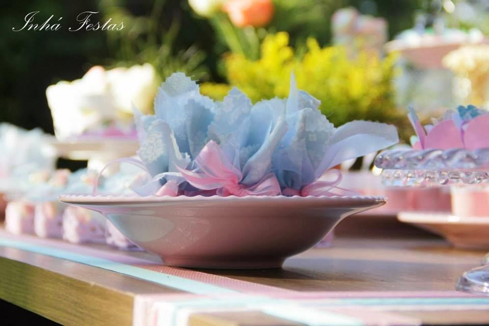 festa-decoracao-romantica-mesa-bolo-5