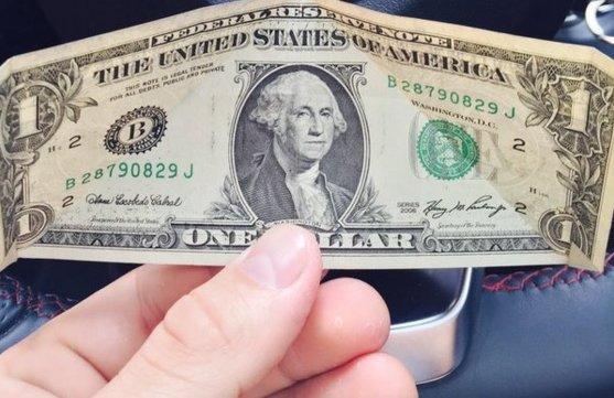 Economista Torrealba: Dólar no oficial continúa siendo el marcador de la economía