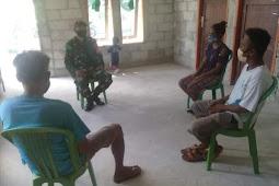 Koramil Tiakur Laksanakan Komsos Bersama Warga di Lolotuara
