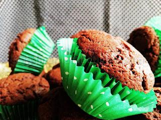 Шоколадови мъфини с масло и зехтин