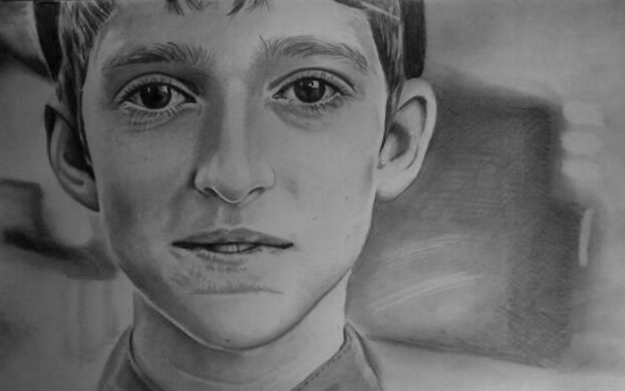 14-Boy-Mariusz-Kedzierski-Determination-and-Perseverance-in-Portrait-Drawings-www-designstack-co