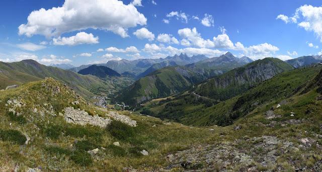 Vallée d'Arves depuis le col de la Croix de Fer