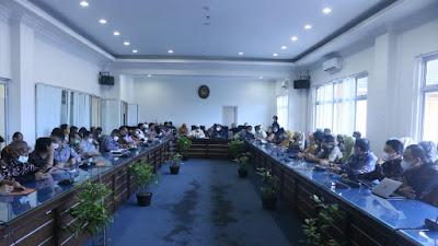 Wabup Pasbar Buka Sosialisasi Sistem Pemerintahan Berbasis Elektronik , Sekaligus E-Pajak dan E-Retribusi