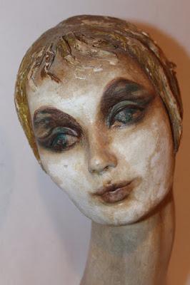 https://www.ebay.com/itm/BEAUTIFUL-Vintage-French-1920s-Paper-Mache-Mannequin-Boudoir-Doll-BUST/172964430873?hash=item28457bc419:g:C0gAAOSwsFpZ~hEt
