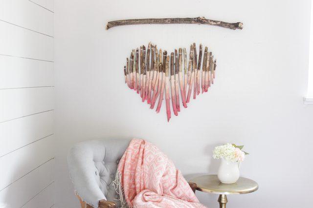 Decorazioni Pareti Fai Da Te : Decorare le pareti con un cuore di rami fai da te donneinpink