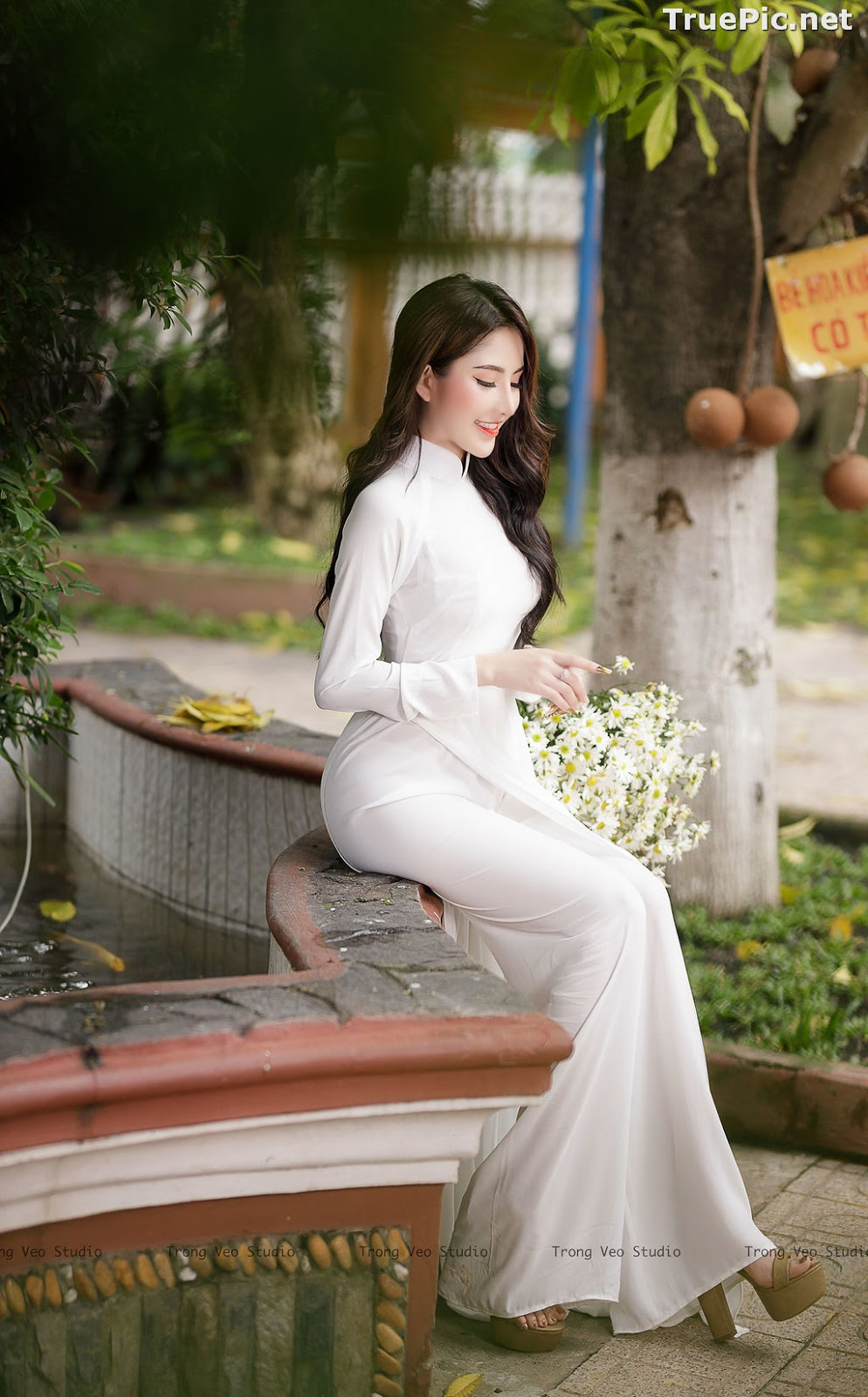 Image The Beauty of Vietnamese Girls with Traditional Dress (Ao Dai) #3 - TruePic.net - Picture-6