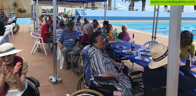 El Cabildo reúne a pacientes del Hospital de Dolores con amistades y familiares en una jornada de convivencia y deporte