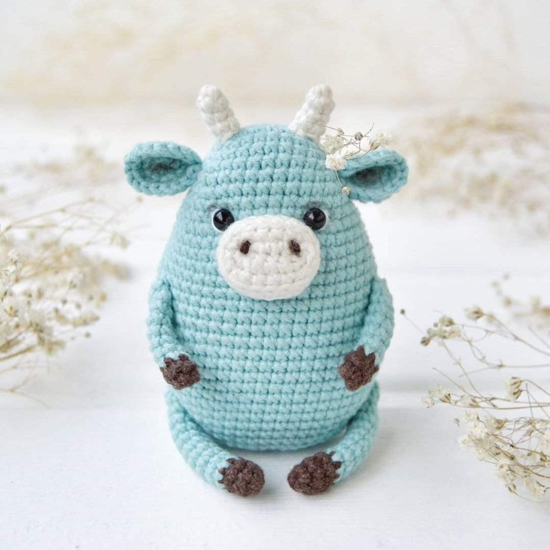Astrid the Alpaca Amigurumi Crochet Pattern - English, Dutch, German | 1078x1078